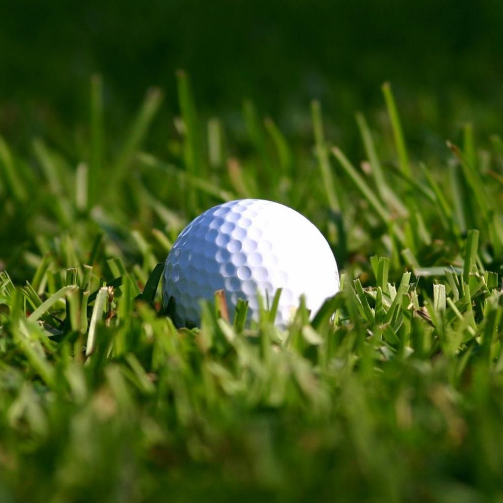 Golf-Ball-Wallpaper-for-iPad.jpg